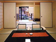 'Kyoto' from the web at 'http://www.japan-guide.com/ad/banner/hotel_kinoe_1508.jpg'