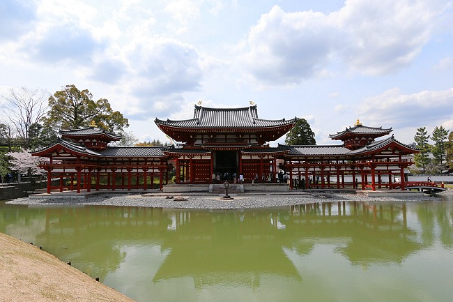 Byodoin freed from its scaffolding