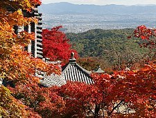 'Kyoto' from the web at 'http://www.japan-guide.com/g6/XYZeXYZe3947_225.jpg'