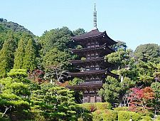 'Yamaguchi Prefecture' from the web at 'http://www.japan-guide.com/g6/XYZeXYZe6100_225.jpg'