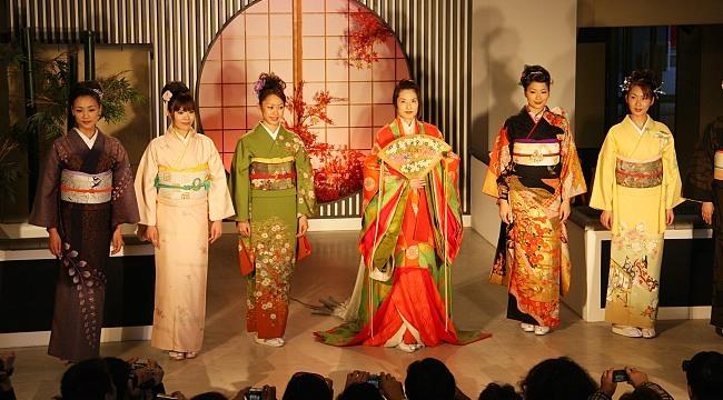 Kimono and kimono rental services in japan