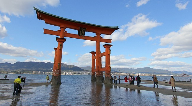 Miyajima Travel: Itsukushima Shrine