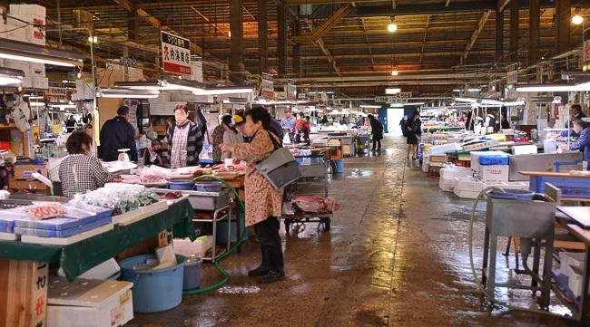Image gallery japanese fish market for Japan fish market