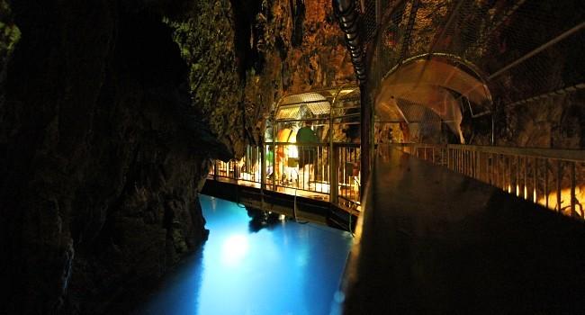 Sanriku Coast Travel Ryusendo Cave